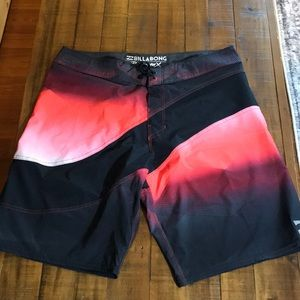 Billabong Platinum X board shorts SZ:33